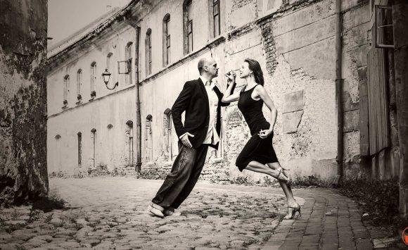Kviečiame mokytis Argentinietiško tango!